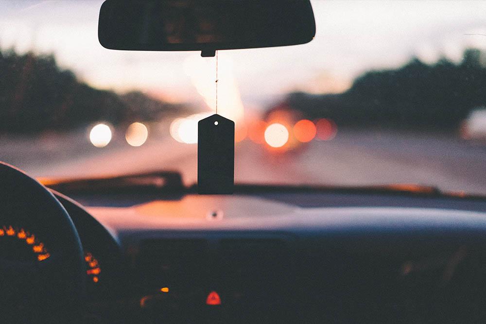 Spune-mi ce parfum de masina folosesti ca sa iti spun cine esti