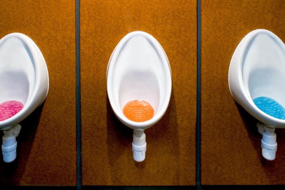 Odorizantul pentru pișoar – soluția băilor curate