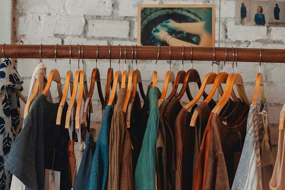 Cum să ai haine mereu parfumate?